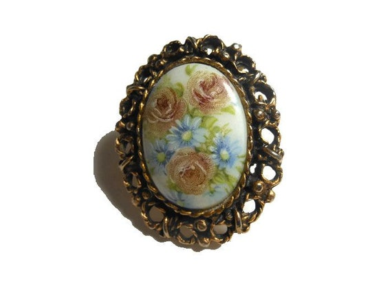 Hand painted floral brooch dusty roses and light blue daisies with gold filigree frame, flower