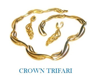 Crown Trifari necklace and earrings, 1950s gold large link set, wedding perfect