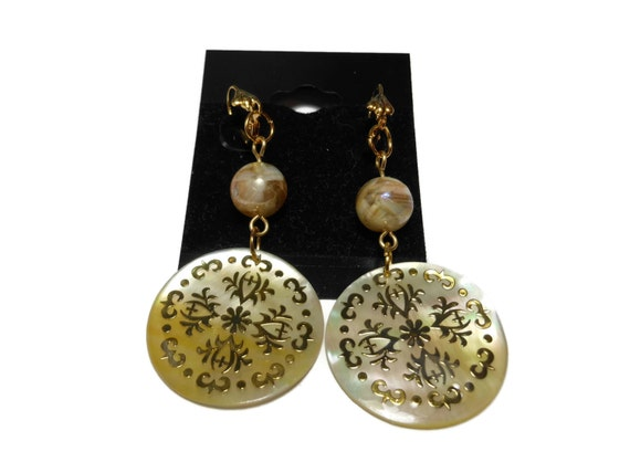 Gold lip shell earrings, gold lip shell disc, mother of pearl and resin beads, gold plated pierced, beach wedding bride