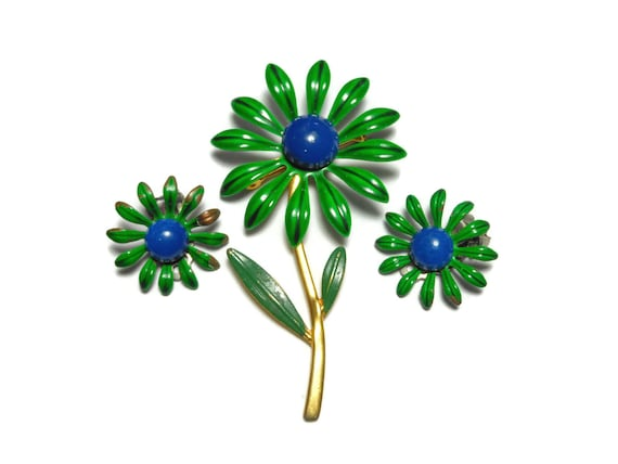 Floral brooch and earrings, 1960s green brooch and clip earrings,  green blue enamel daisies, gold tone stem, hip mod flowers