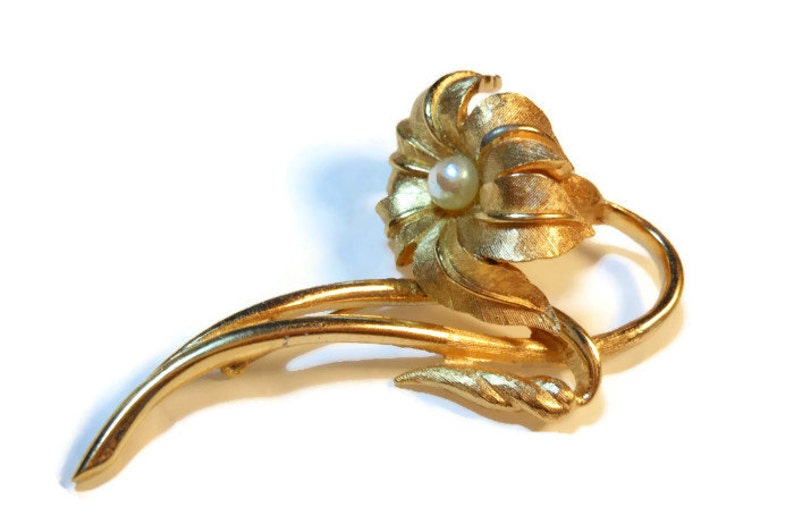 Boucher lily lilium brooch with cultured pearl part of the image 0