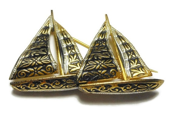 Damascene ship brooch, Toledo ware sail boats, two sailing ships, made in Spain, mid century, nautical boat pin