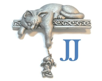 JJ pewter brooch bored cat on shelf playing with an indignant mouse, pewter signed, Jonette jewelry company, kitty kitten, pin