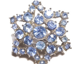 Blue rhinestone brooch, light blue stones, faceted round blue chatons, star shaped, domed brooch pin