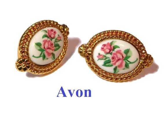 Avon rose earrings, pink roses on a white cabochon with a gold rope frame, oval, studs