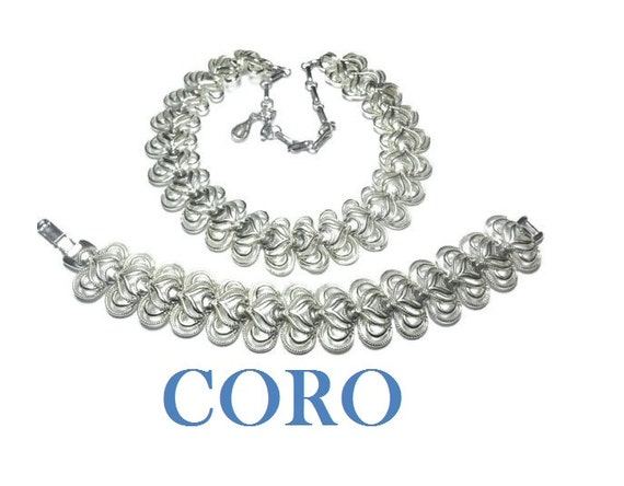 Coro choker necklace set, adjustable silver tone link choker and bracelet with hearts set.