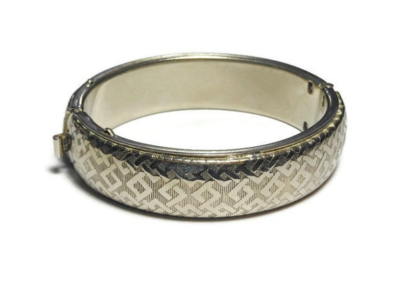 Silver plated cuff bracelet, Egyptian look textural design, box tab clasp vintage