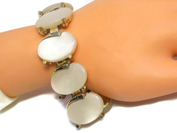Cream Leru bracelet, cream thermoset, oval cabochons, silver tone metal, link bracelet vintage
