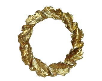 Gerry's leaf circle brooch, gold veined leaves, laurel wreath pin, circle pin