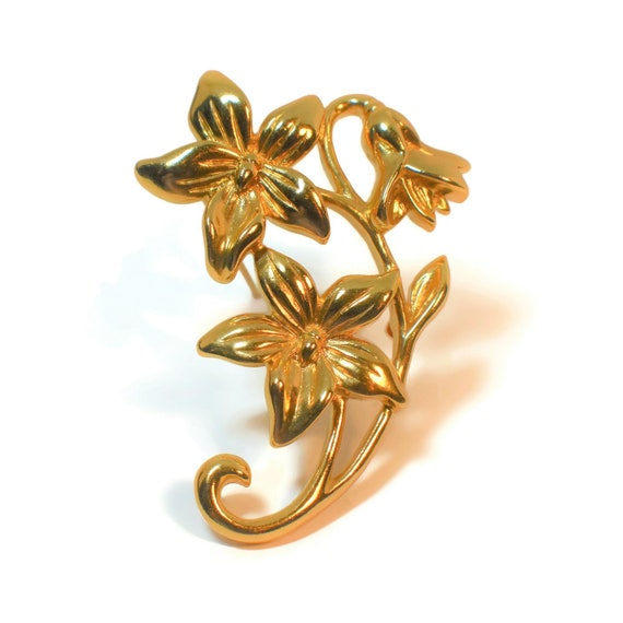 Gold floral brooch, 5 petal gold plated flower with drooping bud on the stem, glossy gold pin, variegated leaves