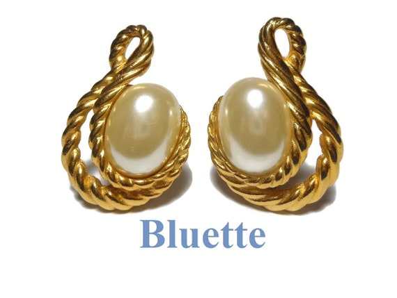 Bluette Shoe Clips, ShoeClip, gold rope frame, made in France, sweater or dress clip 1980s, creamy faux pearl cabochon, wedding shoes!