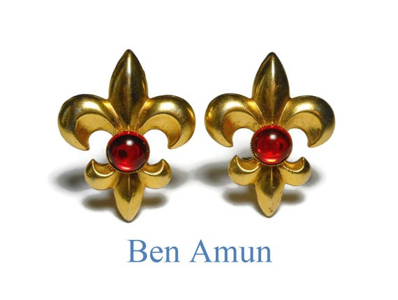 Ben Amun Fleur de lis earrings, gold plated clip earrings, ruby red glass cabochon, large statement earrings, french royalty