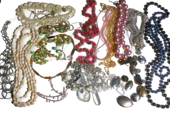 Lot of necklaces, most wearable some for destash, over 1 1/2 pounds