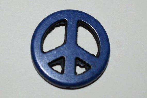 "Bead, ""howlite"" (resin) (imitation), blue, 25mm peace sign, necklace, charm, pendant, bracelet, handmade gift"