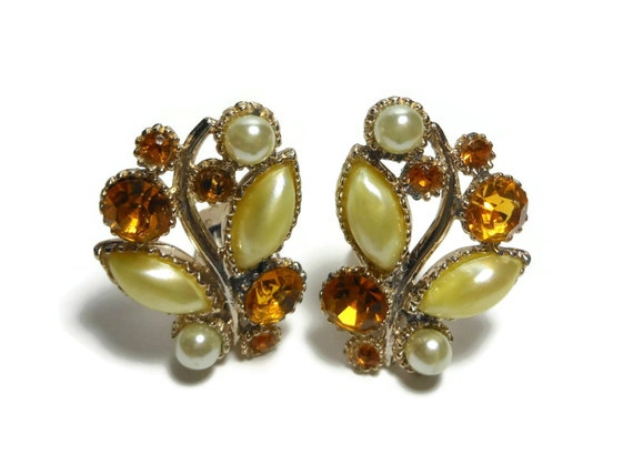 Rhinestone and pearl clip earrings, golden yellow navette pearls, round white pearls, amber rhinestones, open back setting, bride worthy