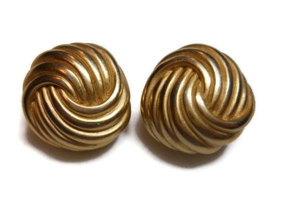 Erwin Pearl earrings, trefoil circle knot earrings, gold tone, award winning designer clip earrings