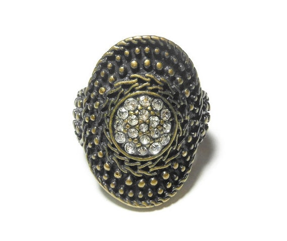 Premier Designs ring, bronze disc ring with a circle of pave rhinestones in the center, rich texture design, size 6