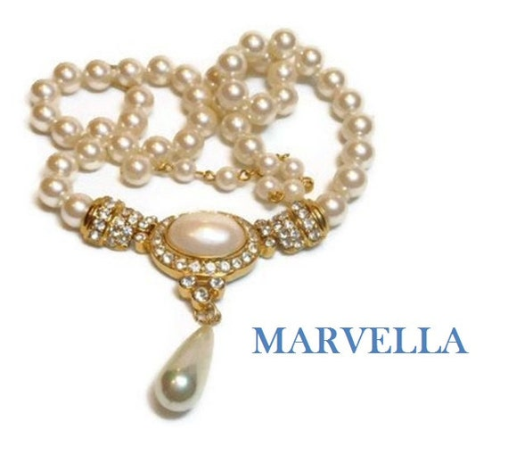 Marvella faux pearl choker, pearl cabochon and rhinestones center pearl teardrop drop creamy white, 40s early 50s, gold plated