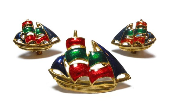 Nautical sailboat set, enamel boat, red blue green, gold plated, brooch clip earring, interchangeable pendant brooch