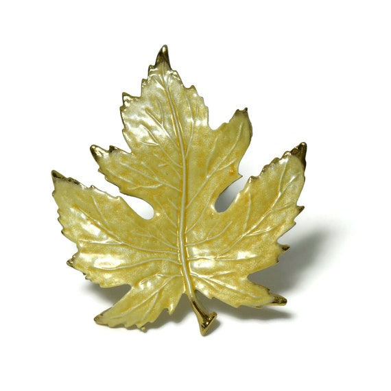 Gold tipped maple leaf brooch, yellow leaf pin, small size, lapel or tie tack, great vein work, gold plated