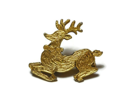 Reindeer brooch, gold tone textured reindeer, holiday mid century brooch pin