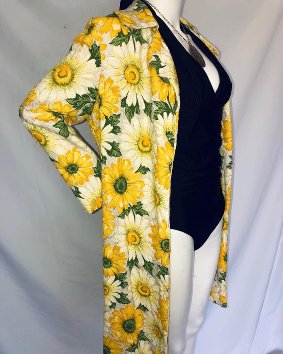 1960s Textured Bold Floral Daisy Print Midi Duster