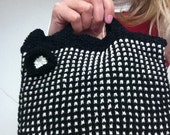 Mod Black and White Bag Knitting Pattern (PDF File)