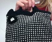 Mod Black and White Bag Knitting Pattern (PDF File)