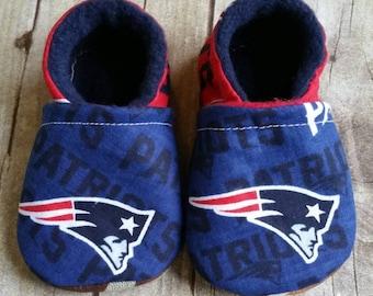 36248e10f91f2 Patriots baby shoes | Etsy