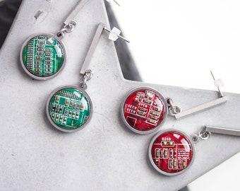 Stud earrings with 15mm round circuit board pendants, steel wires