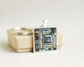 Men's Keychain - Geeky Keychain - Circuit board Keyring - square