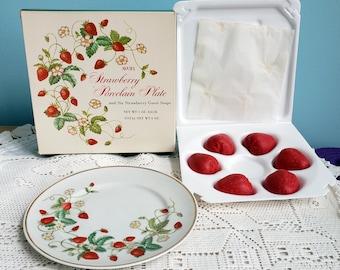 Vintage 1978 AVON Strawberry Porcelain Dessert Plate 22K w//6 Guest Soaps NIB