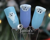 Hand-Painted Baby Seal Gel Artificial Nail Art
