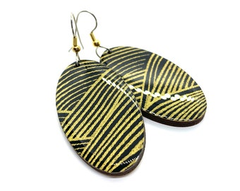 Black and Gold Japanese Earrings, Chiyogami paper, Yuzen, origami paper, Oval dangles, laser cut, hypoallergenic, lightweight, statement