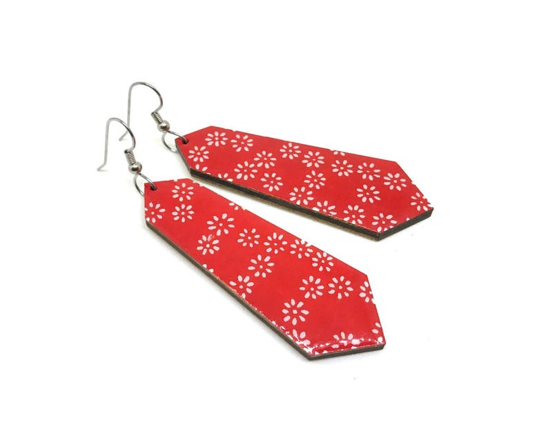 Red Japanese paper earrings Crystal shape Chiyogami paper image 0