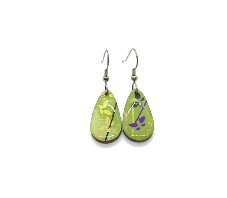 Green butterfly Earrings Small Drop pattern varies Japanese image 0