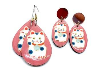 Maneki Neko earrings, Lucky Cat, Raspberry, Rose gold mirror acrylic, Good luck Charm, Japanese Chiyogami paper, Wood, Lightweight