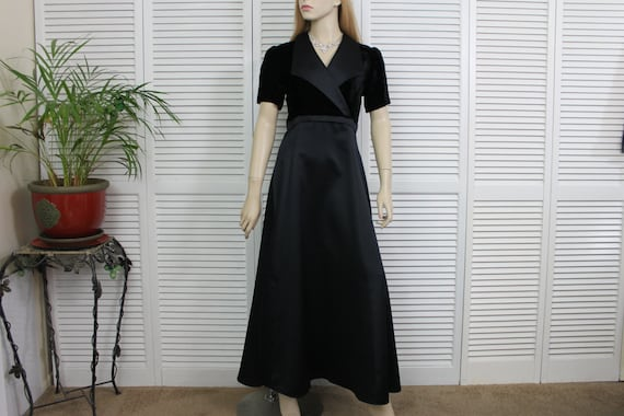 Vintage Dress Black Velvet and Satin Long Size 6