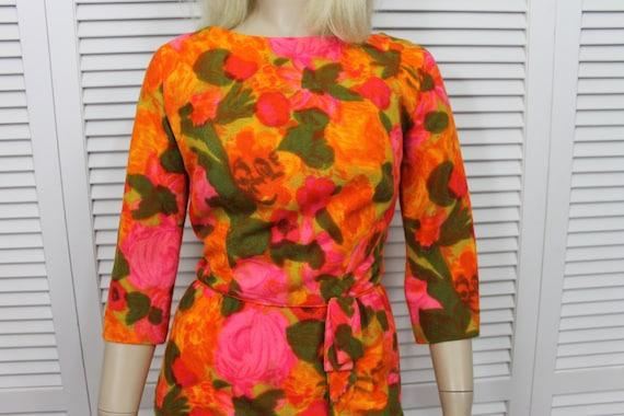 Vintage Wiggle Dress Barkcloth 1960s Size Small/Me
