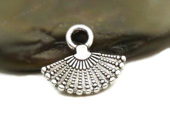 BULK 5 Fan pendants antique silver tone CA69