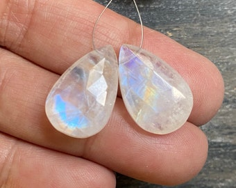 Beautiful Matched pair of focal AAA Rainbow Moonstone smooth pear briolettes beads full of blue flashes 16mm x 11mm set 2