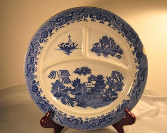 Willow pattern sectional plate