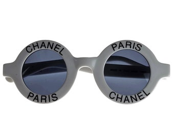 d4836c8f72819 Vintage 1993 Iconic CHANEL Round White Sunglasses