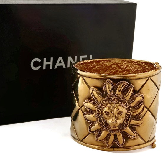 Vintage CHANEL Iconic Lion Head Logo Quilted Brace