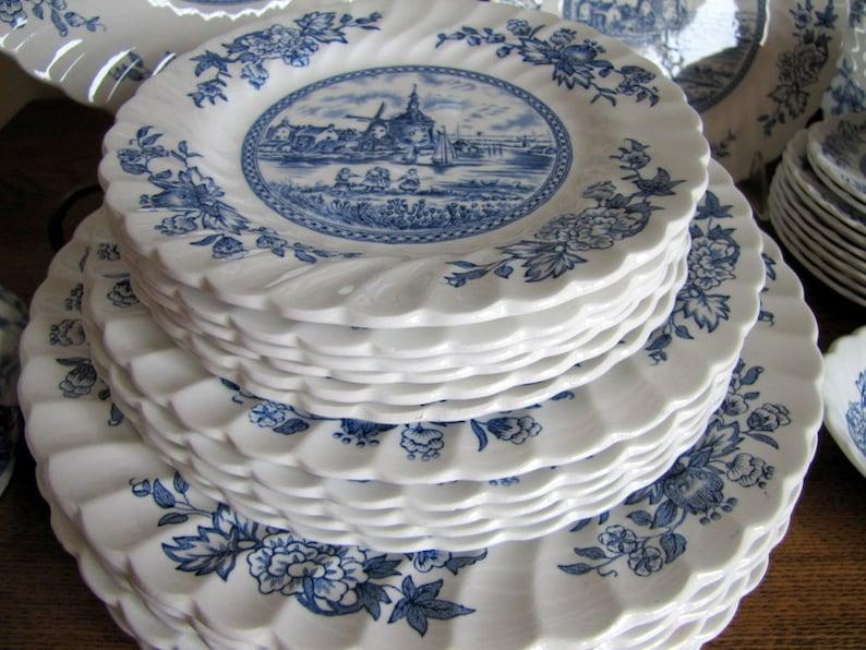 Johnson Brothers Tulip Time Dinnerware White Background Blue Transferware Ironstone 40 pieces