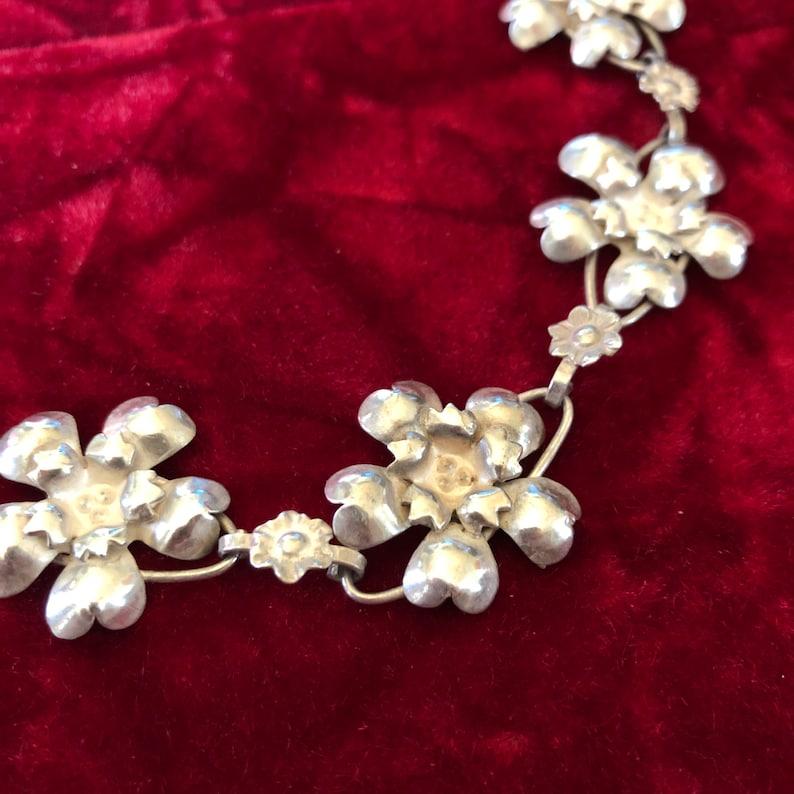 Vintage 1940\u2019s Sterling Flower Choker 15\u201d Necklace