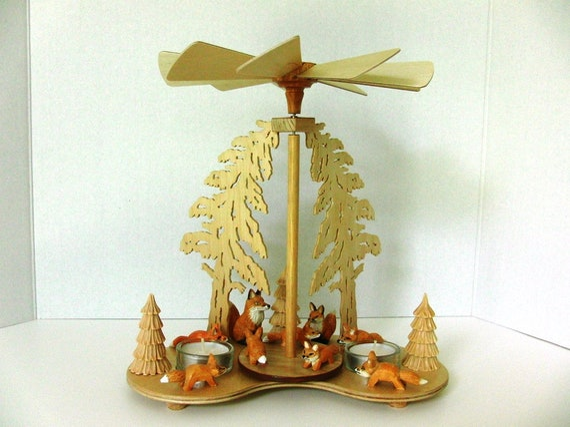 UNIQUE GERMAN HANDMADE Tealight Christmas Pyramid Fox Family