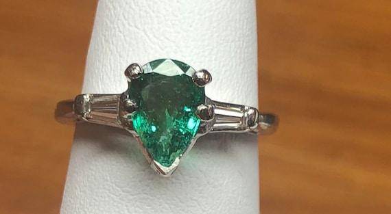Green Emerald Pear Shape ring, Natural Green Emera