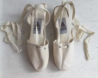 794eba63f0dff 90s espadrilles 8   vintage ALDO espadrilles   white canvas shoes   white  platforms   wrap around shoes   vintage platforms shoes lace ups