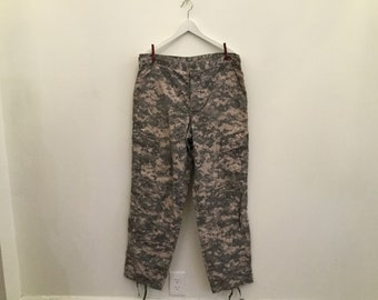 afb346250f10e 90s green army pants M/L / vintage mens authentic military camo cargo  canvas khaki camoflage pants
